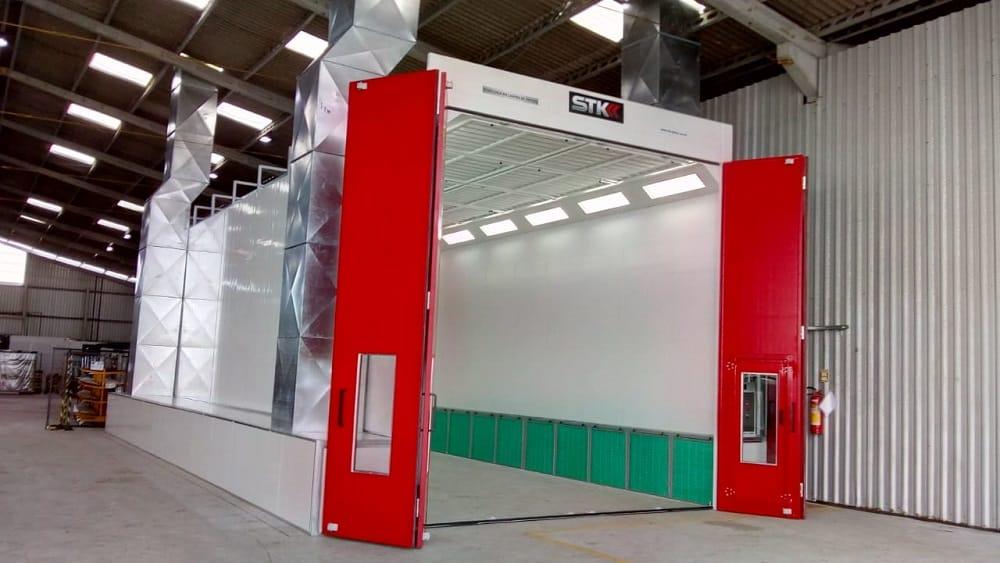 Cabine de Pintura Industrial STK - para pintura de helicópteros
