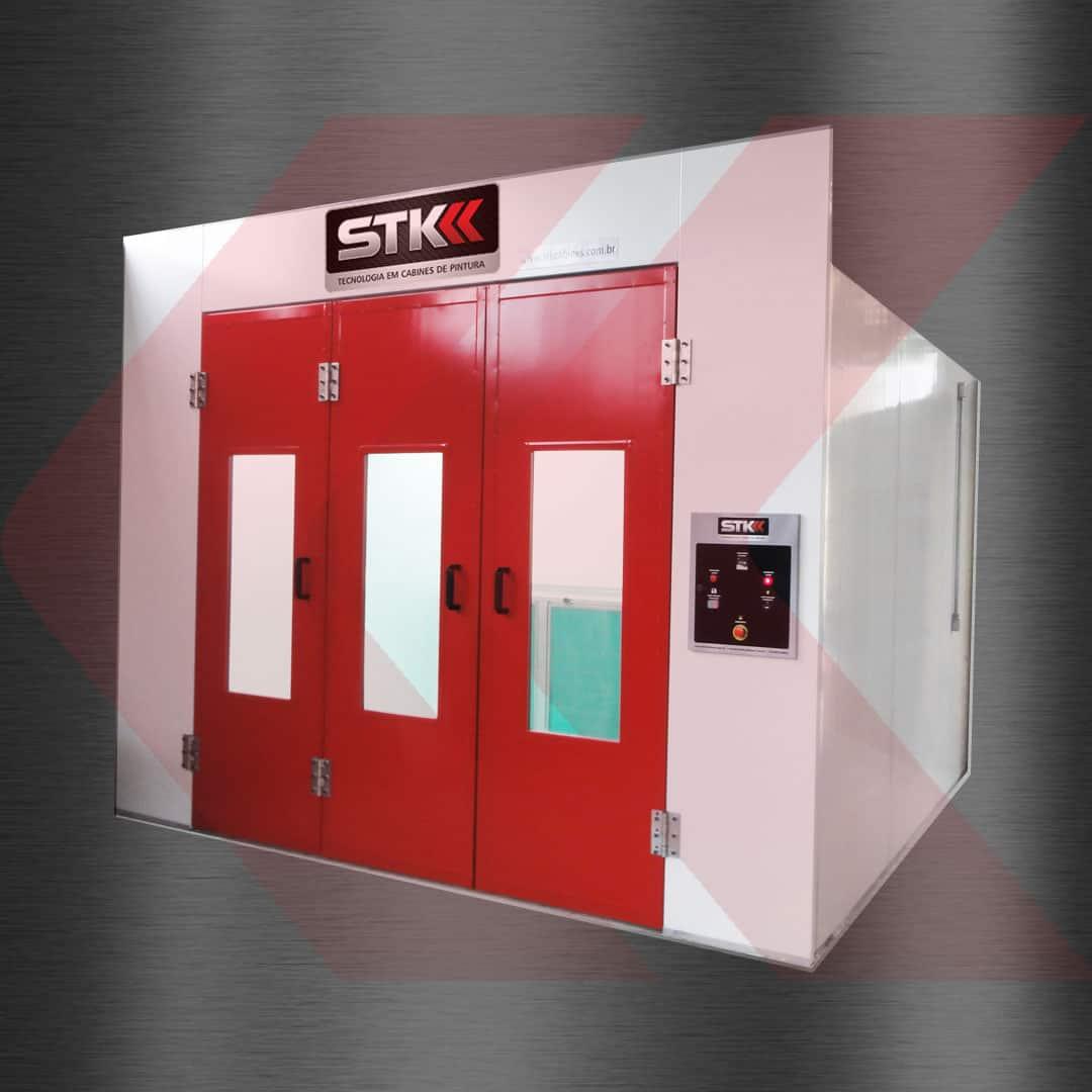 Cabine de pintura automotiva STK portas vermelhas fechadas