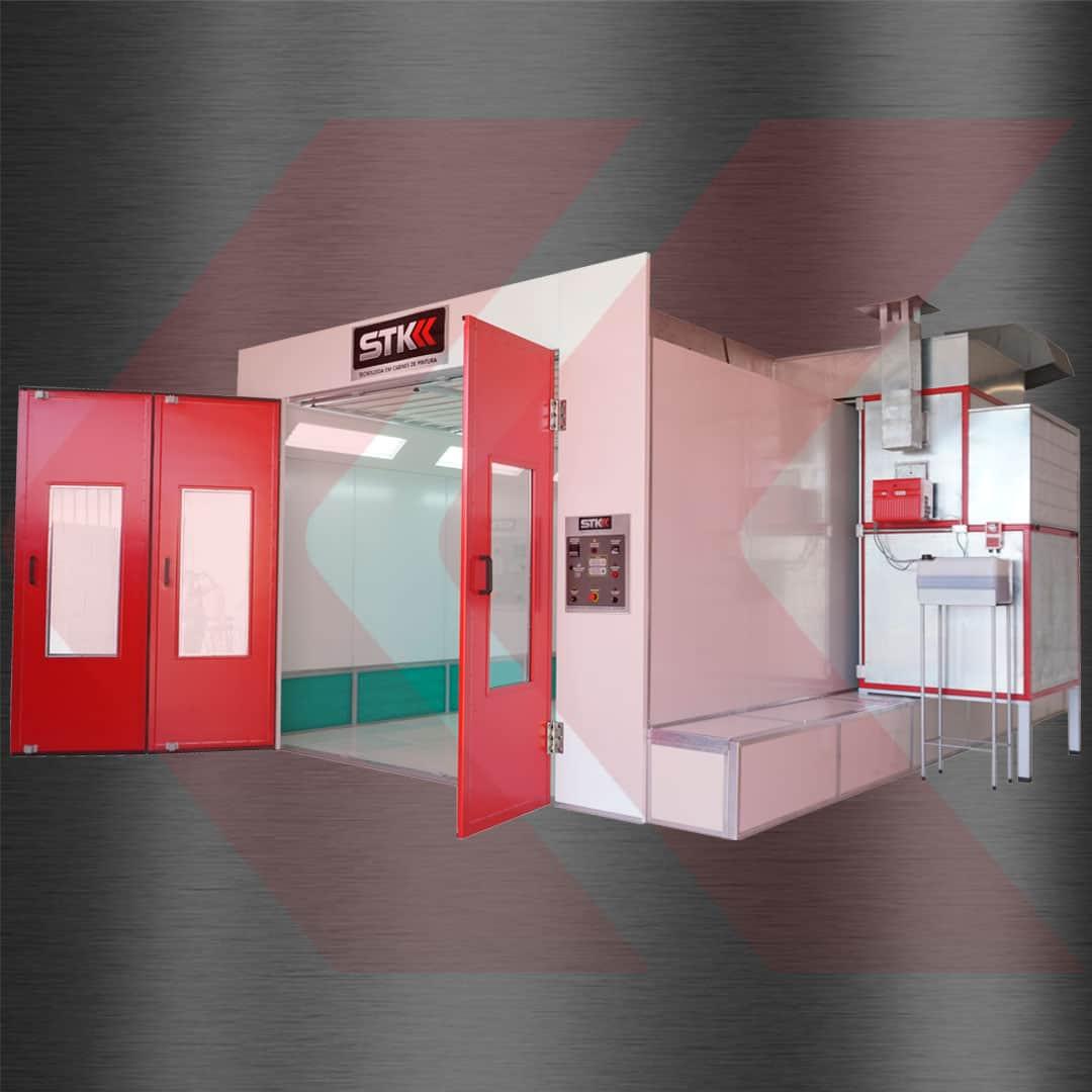 cabine de pintura com portas abertas filtros na lateral e dispensa obra civil