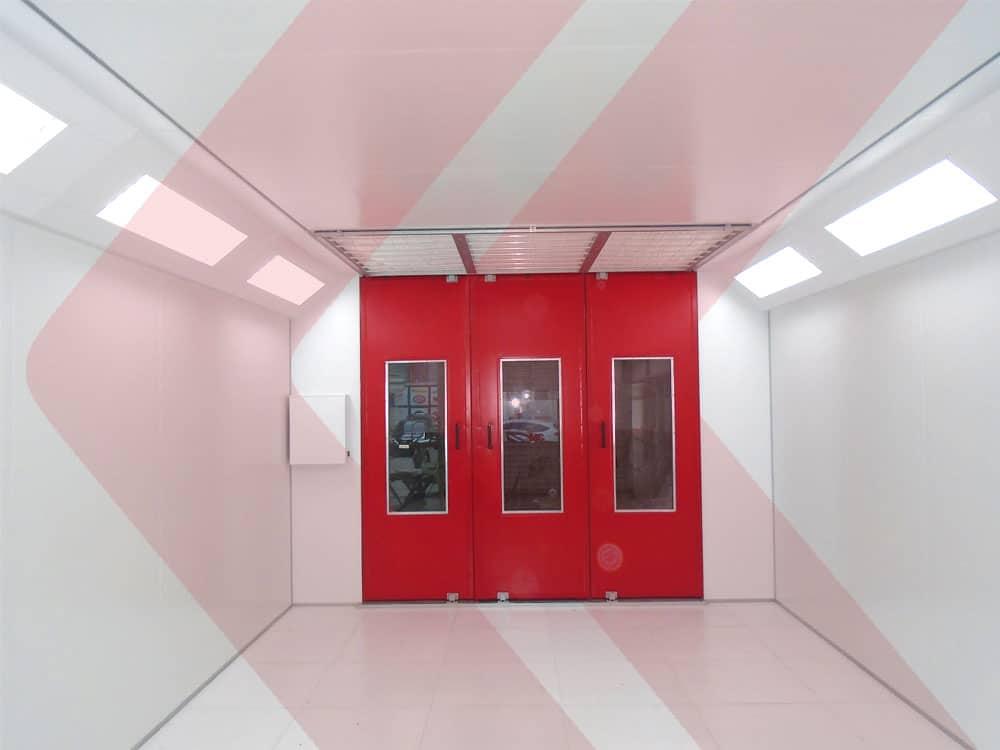 vista interna cabine de pintura automotiva